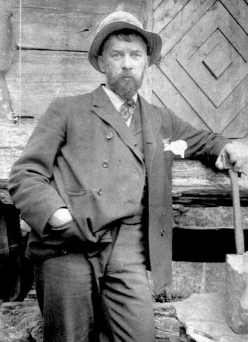 Louis Moe på sitt kjære Juvlandsæter ca 1910.